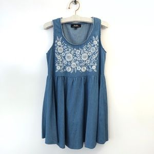 LuLu's Dress size small Denim Floral Embroidered